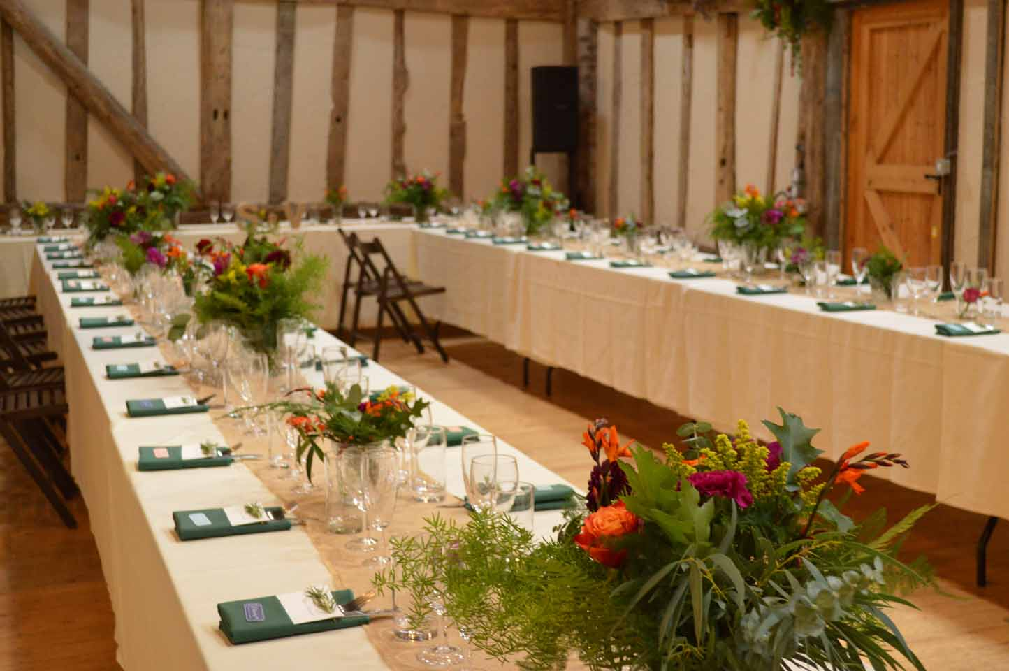patricks barn wedding chiddinglye table flowers