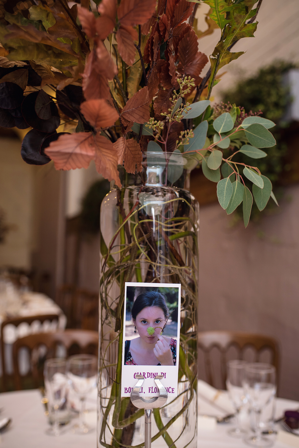 October wedding table flowers
