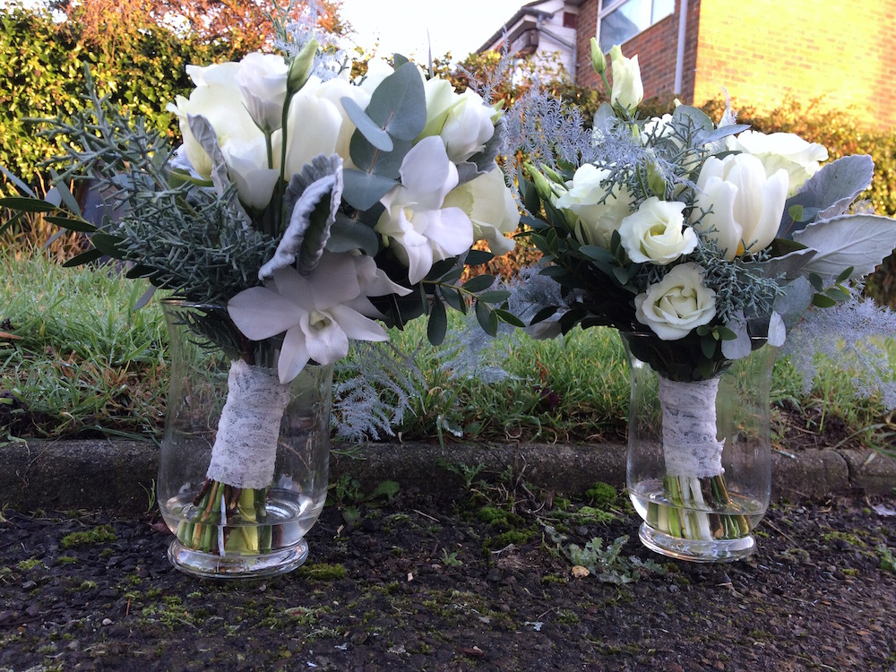 white winter bridesmaids bouquets