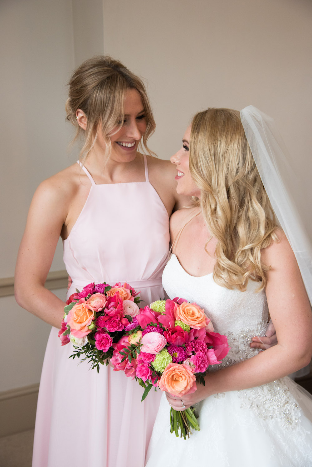 bride and bridesmaid flowers at nonsuch mansion, flowers by bettie rose