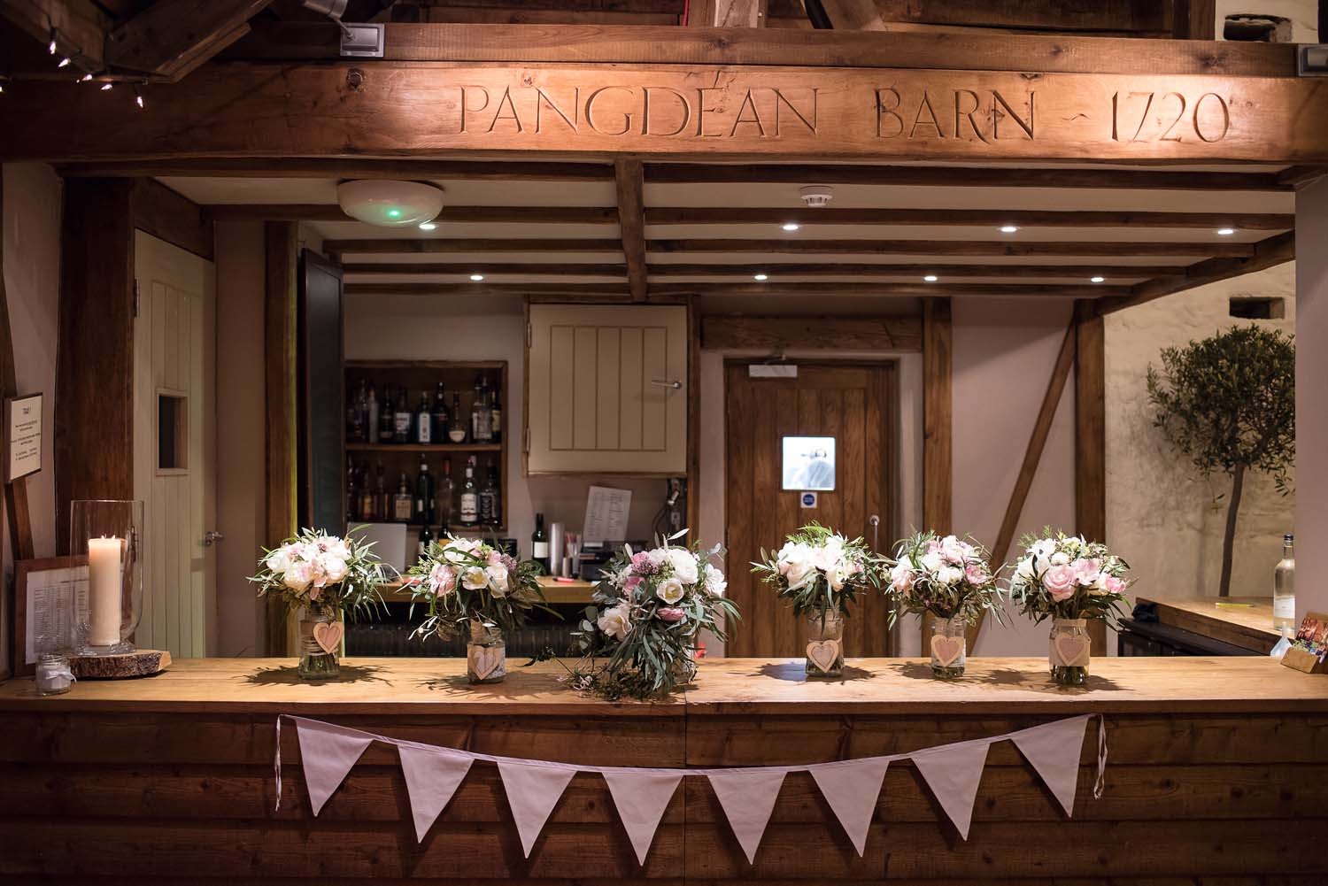 pangdean barn bar flowers