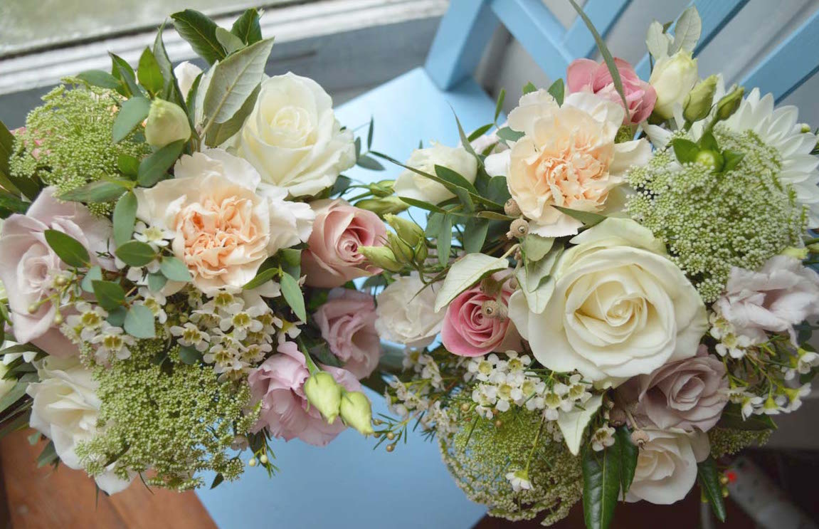 bridesmaids bouquets turquoise