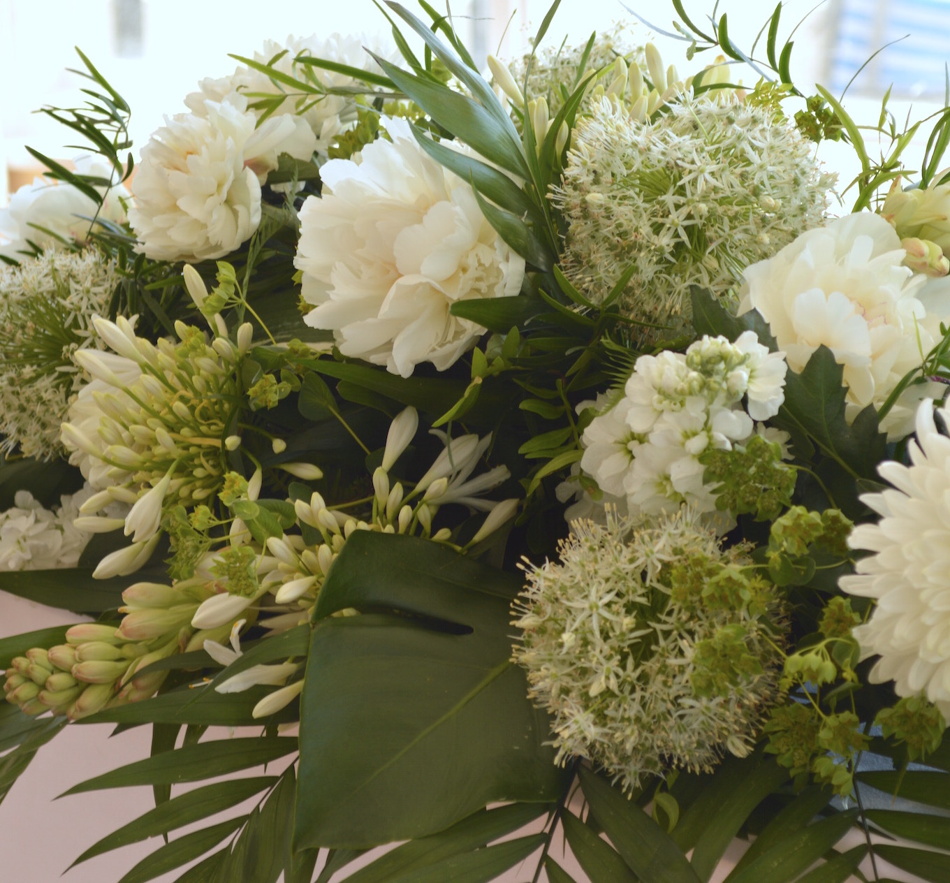 white flowers for 17th june wedding