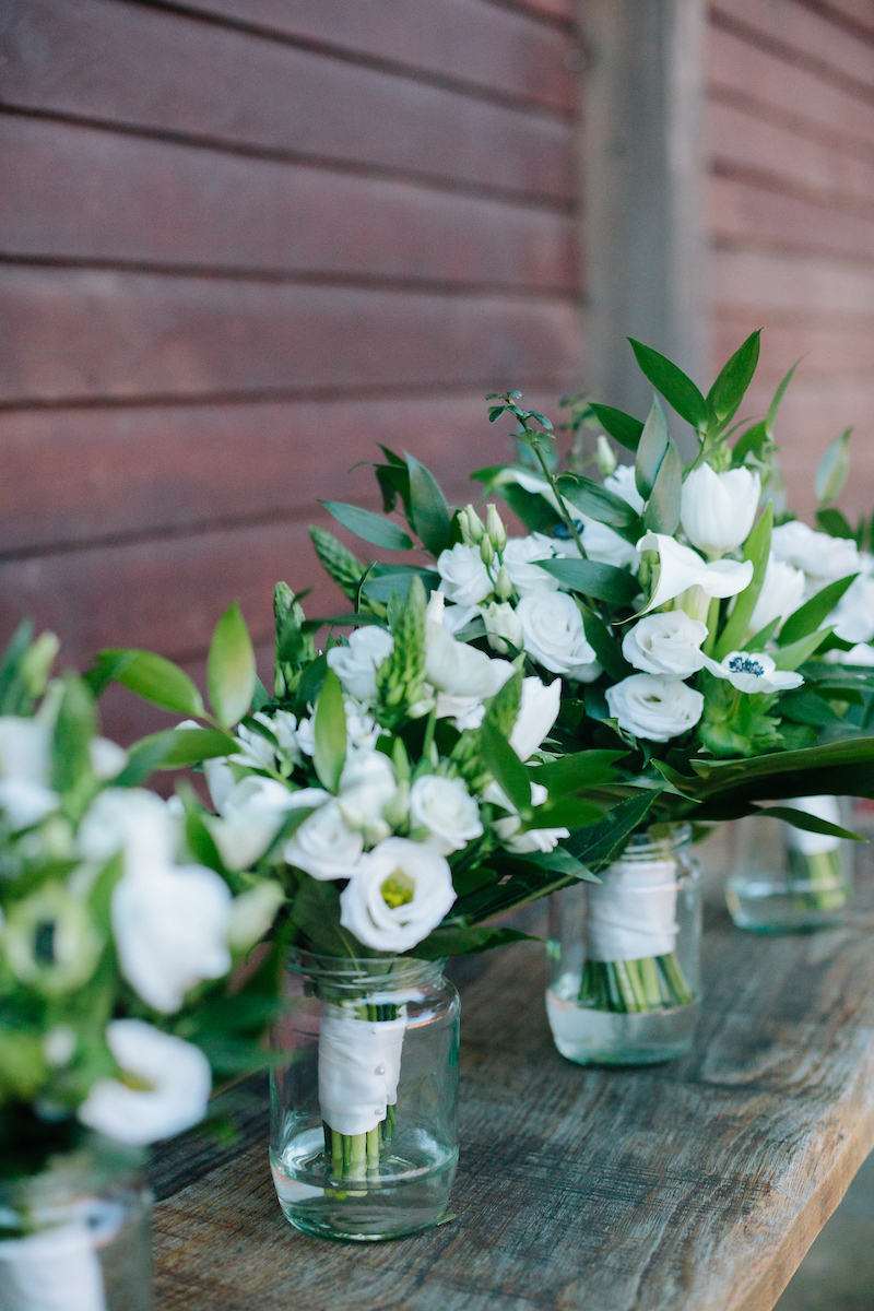 november wedding bouquets at long furlong barn in worthing