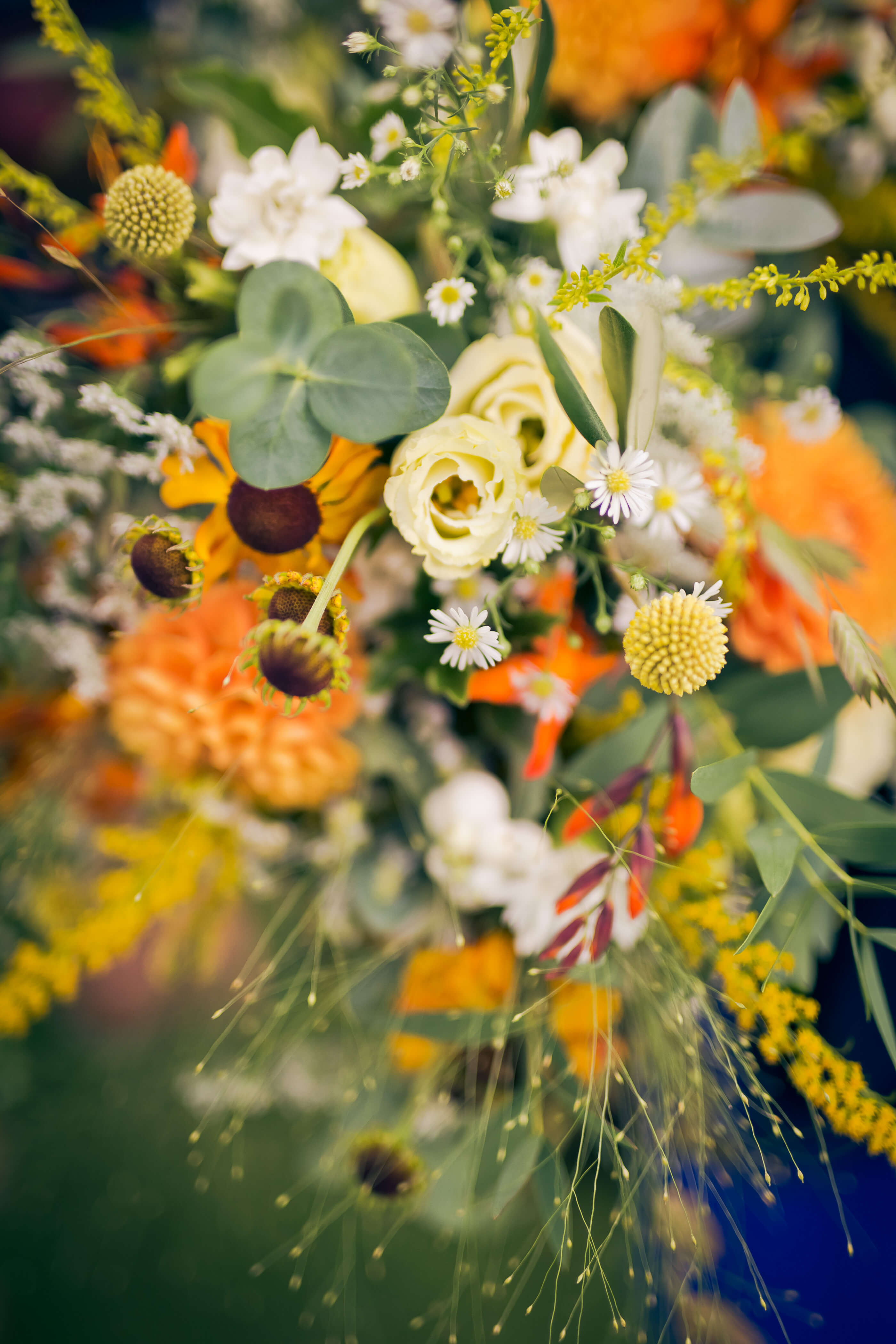 autumn textured wedding flowers
