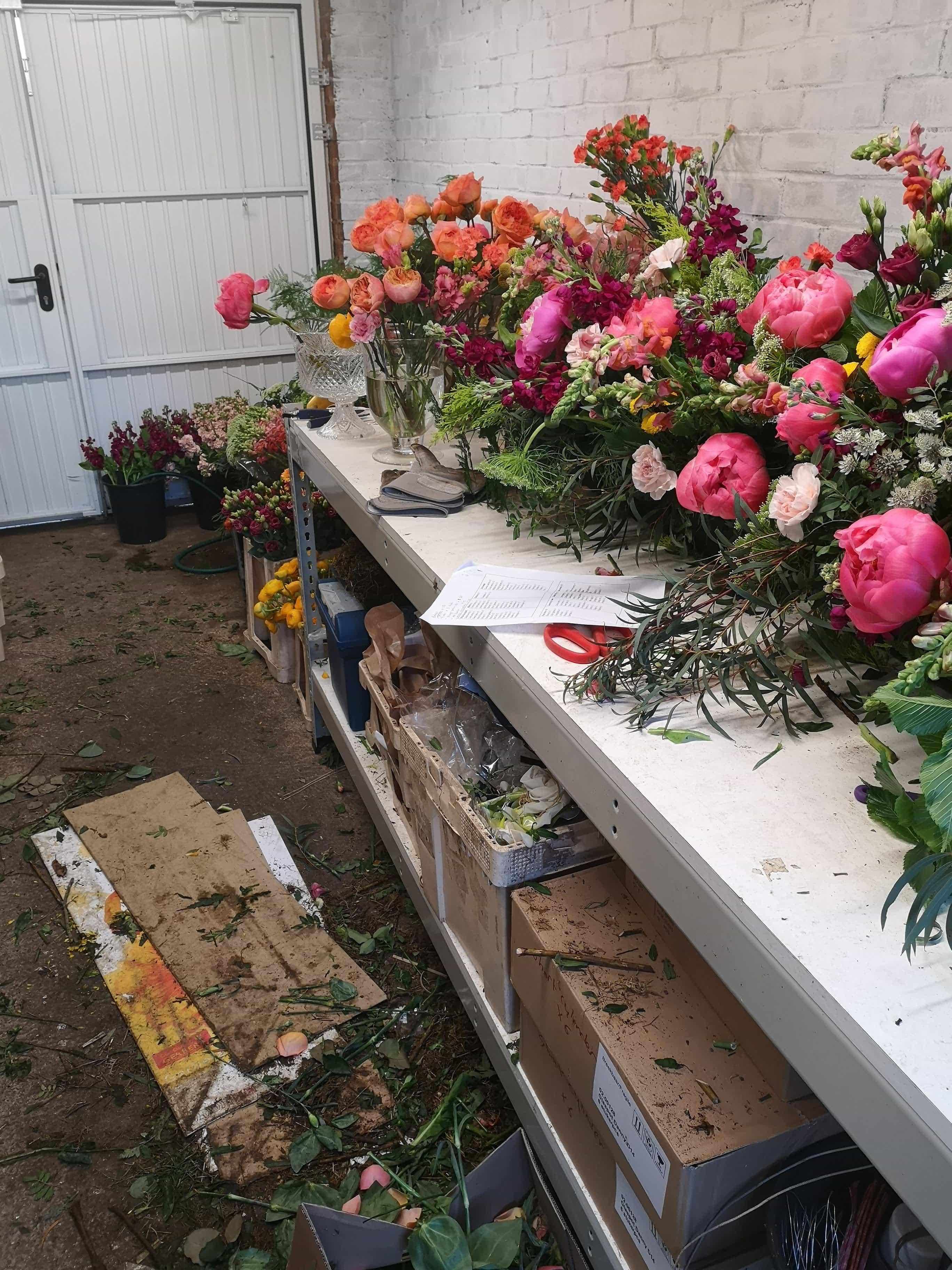 wedding florist workshop behind the scenes