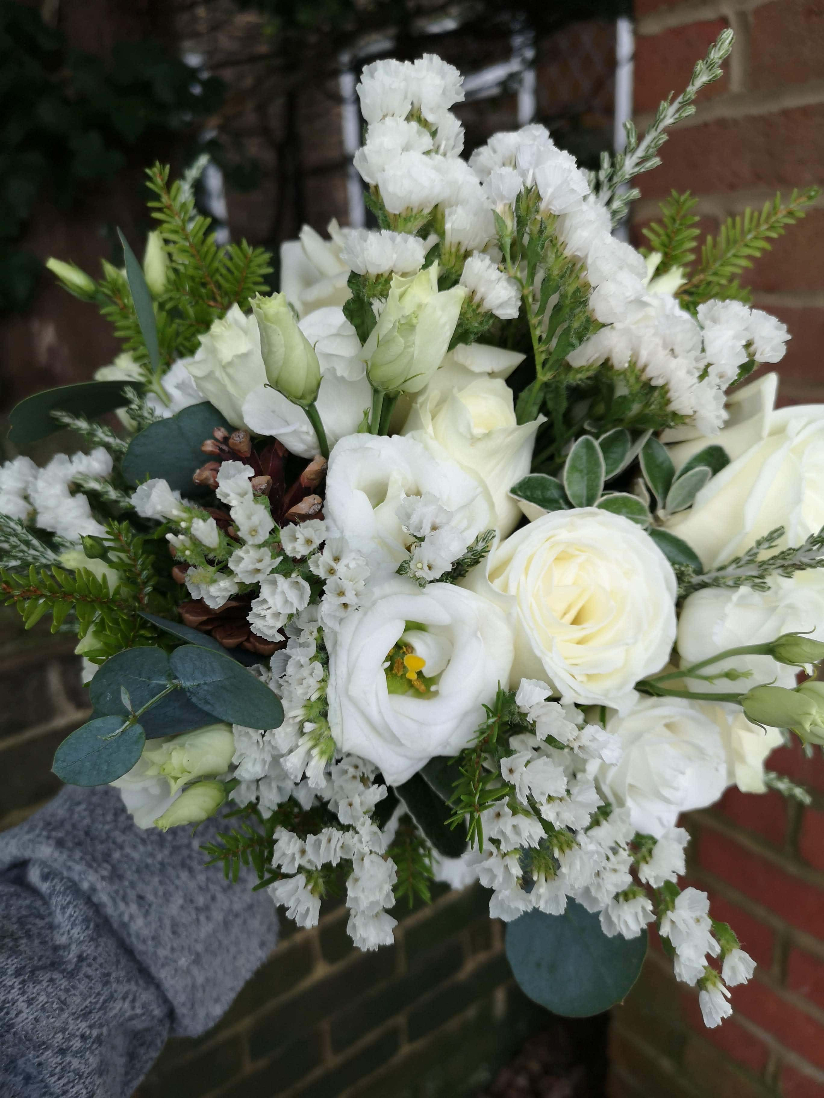 winter wedding flowers at pangdean barn